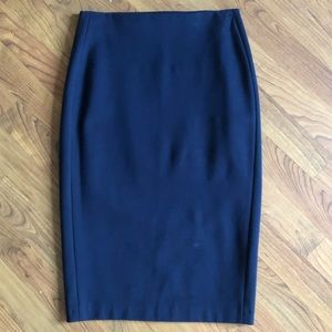 Dresses & Skirts - Classic NAVY pencil skirt, size 2